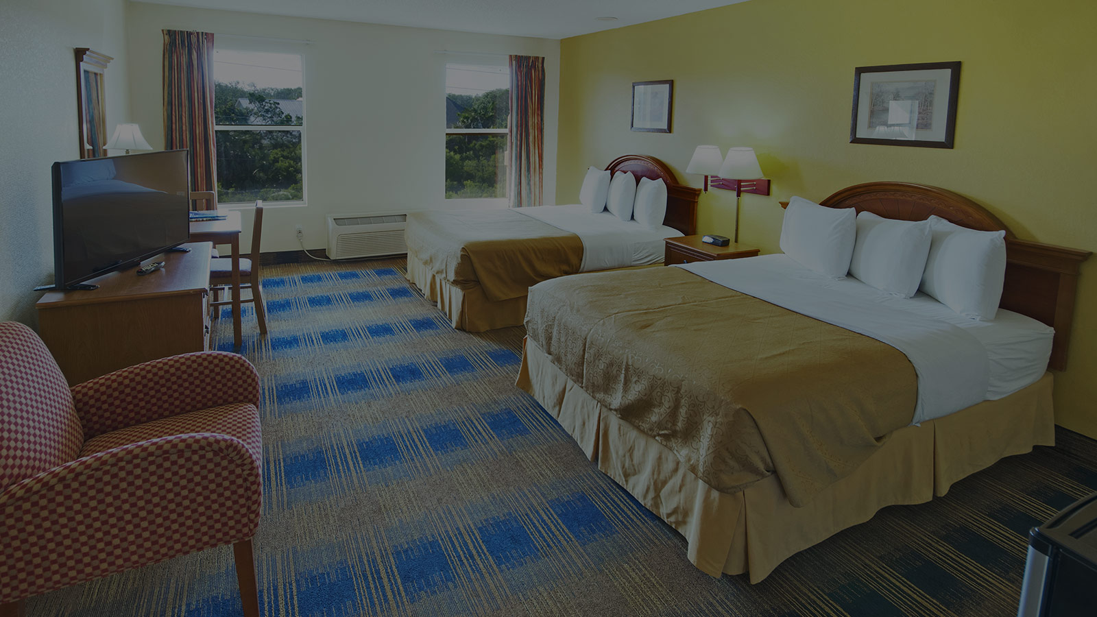 Family-friendly guest rooms in St. Augustine perfect for groups or family vacations